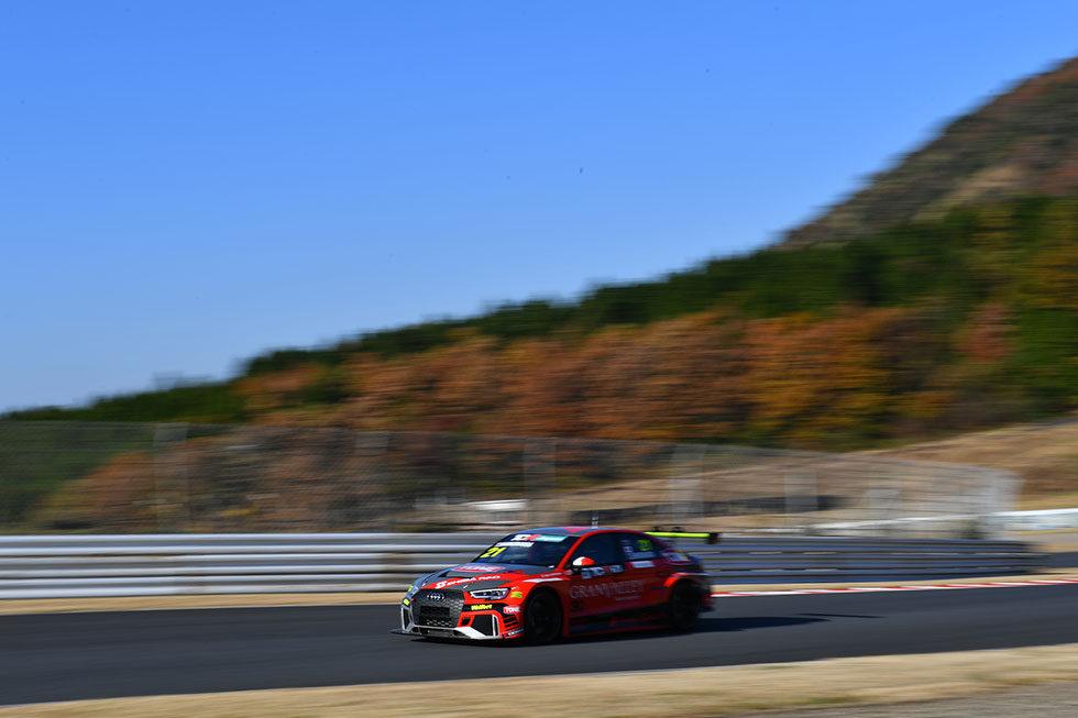 #21 Audi RS 3 LMS